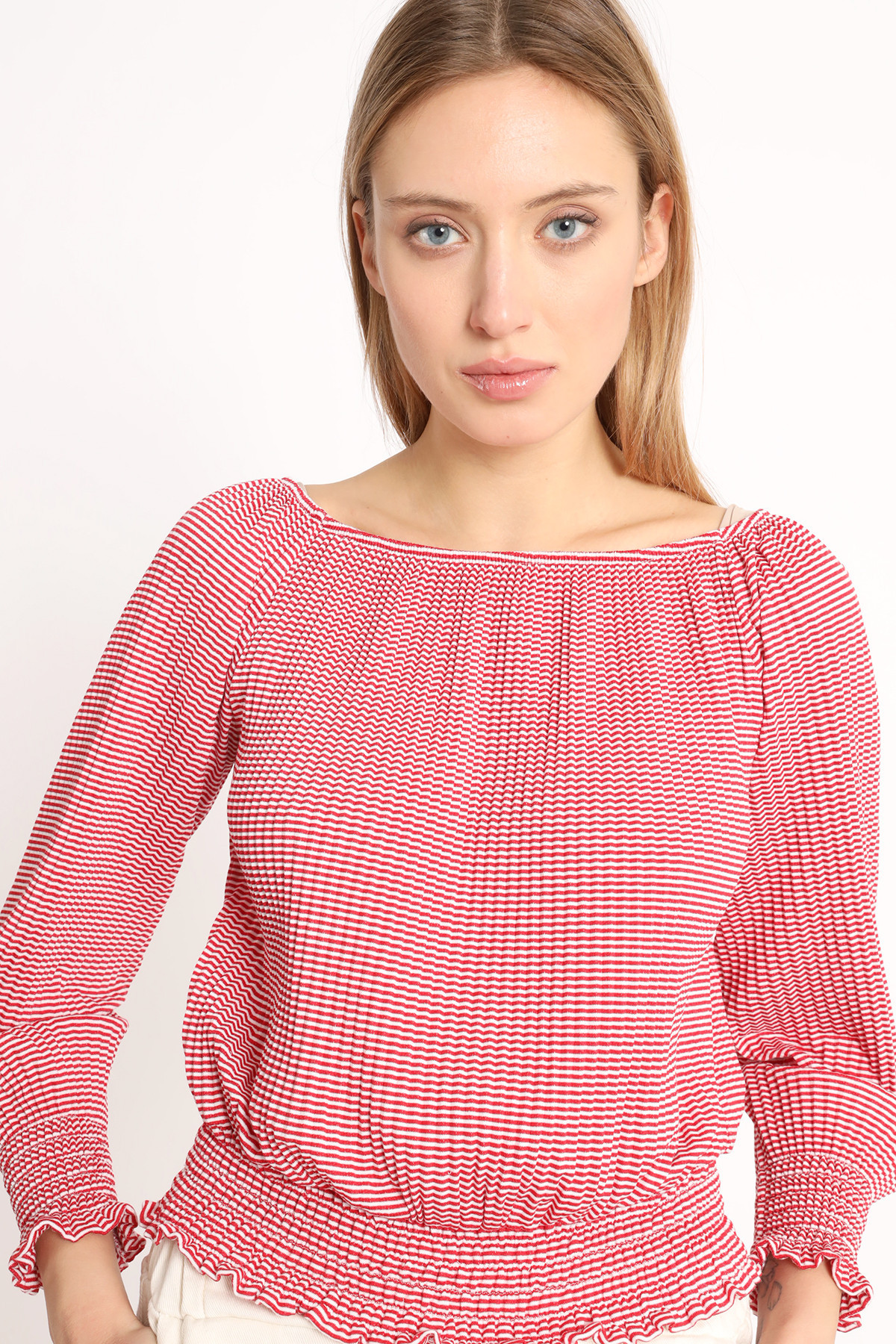Knitted Crop Top Curl