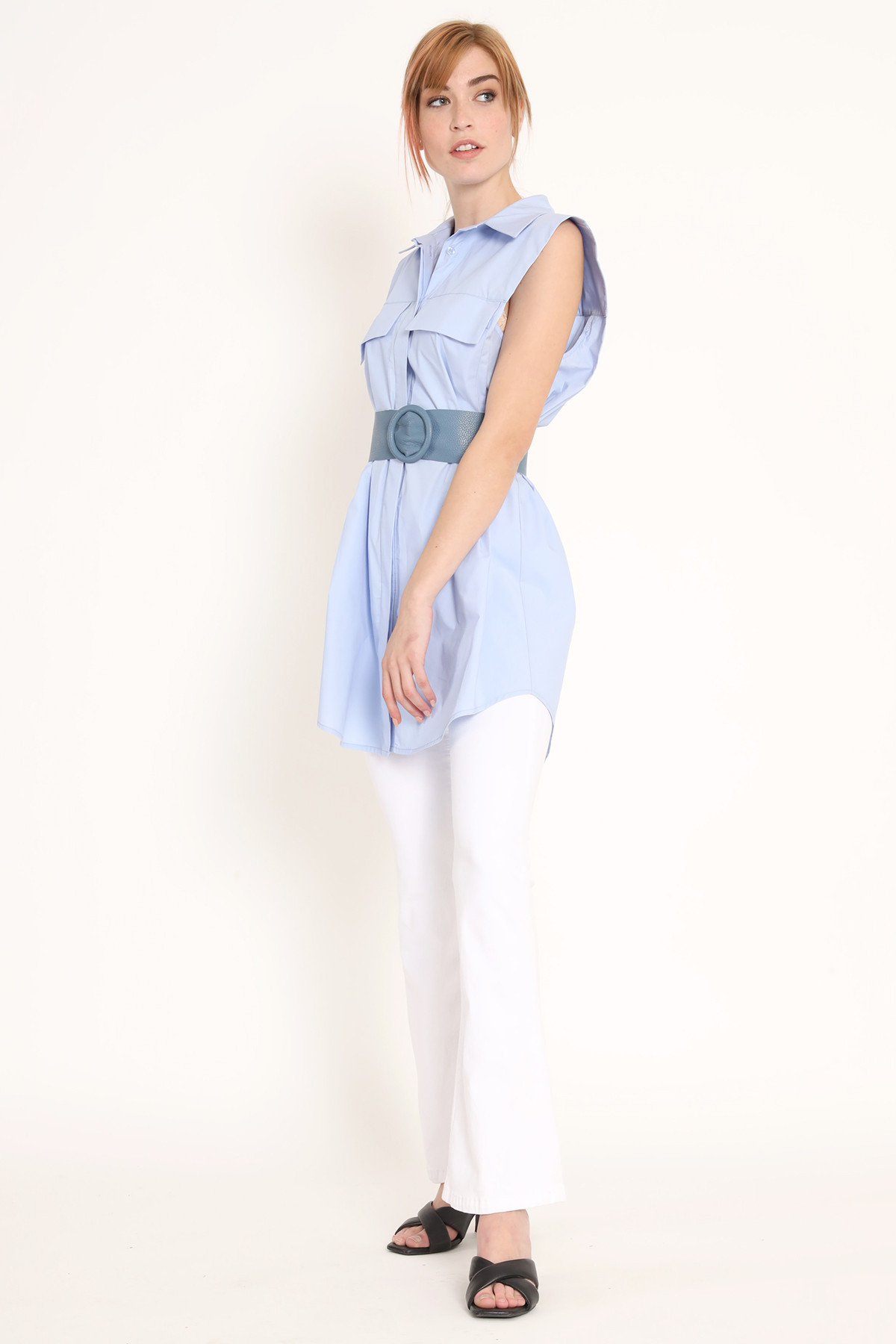 Long Sleeveless Shirt with Fitted Pockets