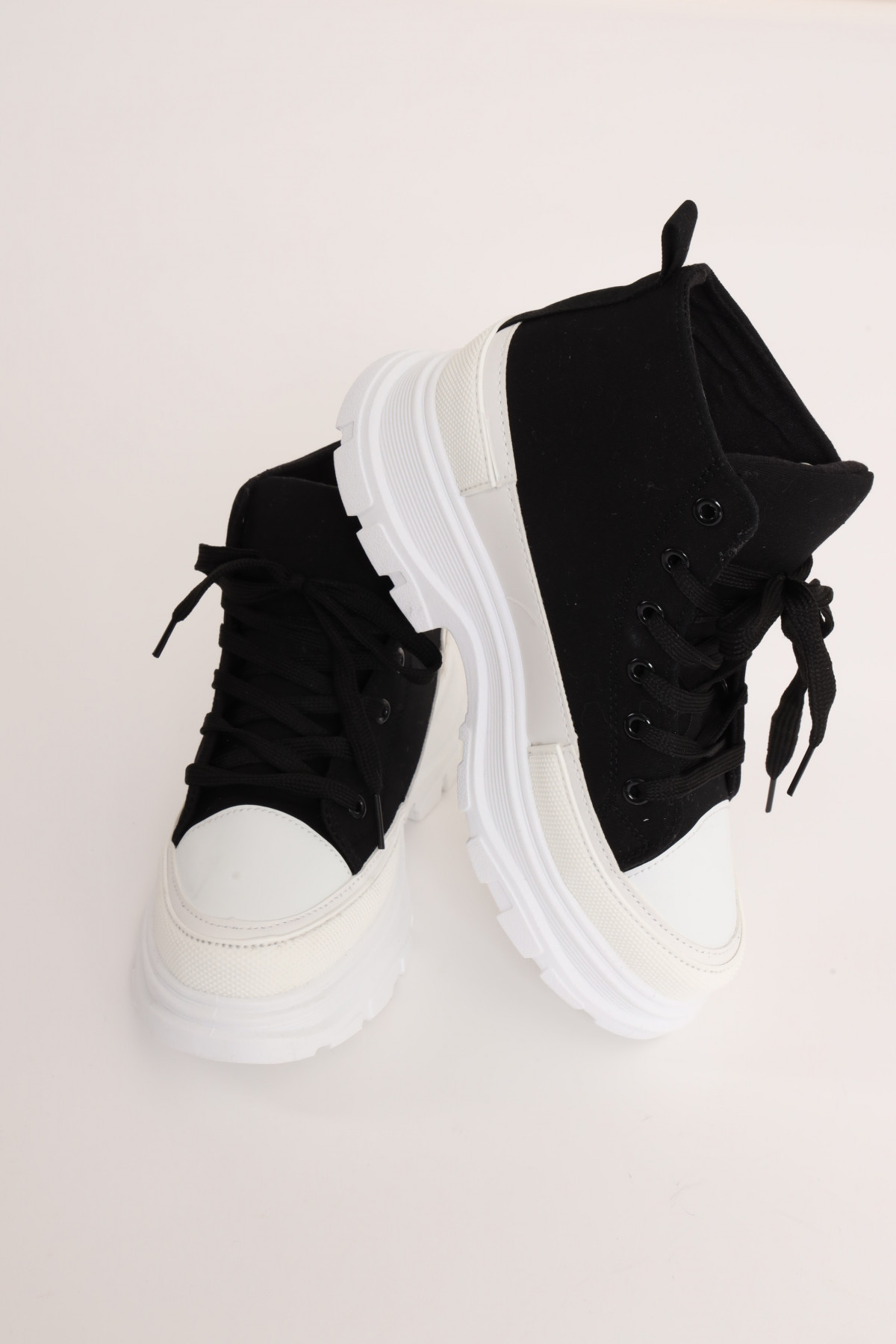 Canvas Sneakers in Vulcanized Double Bottom