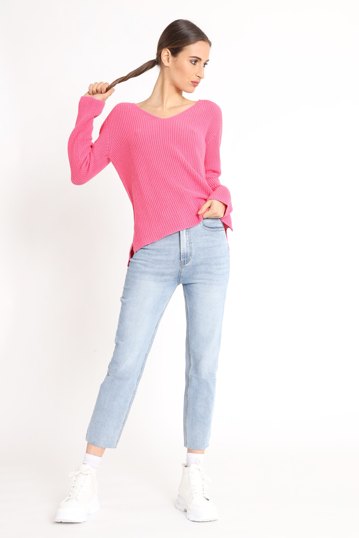 English Coastline V-neck sweater