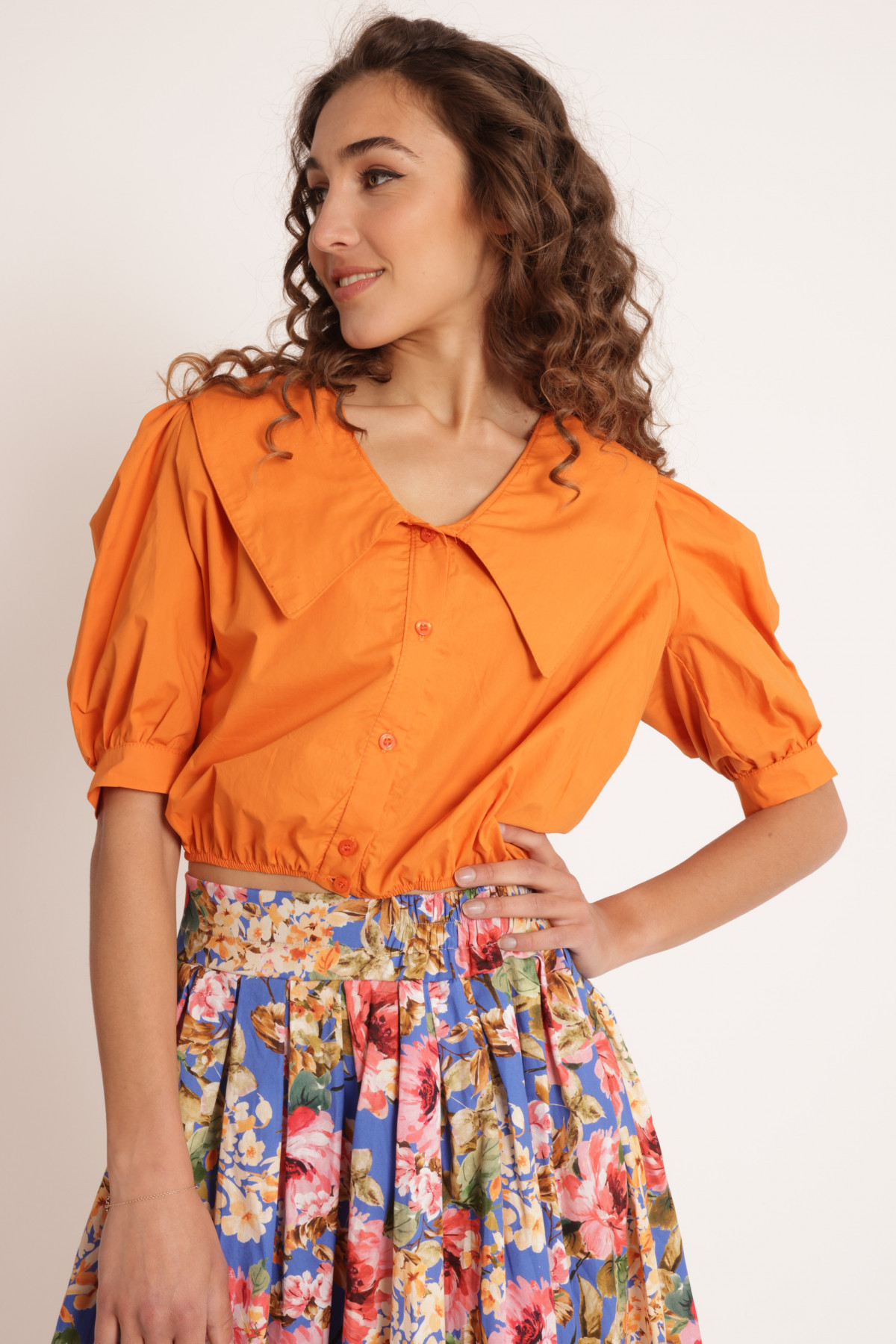 Curled Shirt with 1/2 Balloon Sleeve