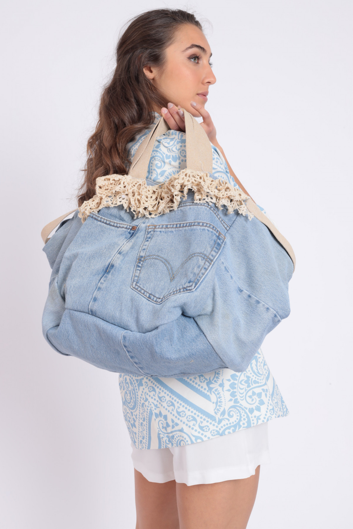 Denim bag with lace