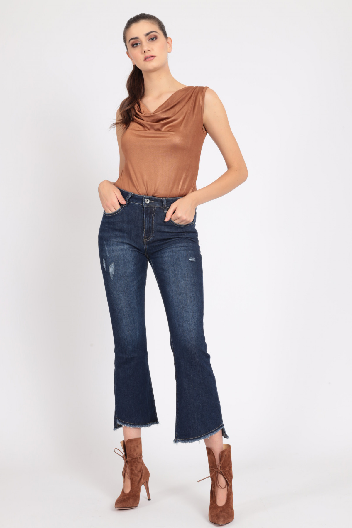5 pocket trumpet jeans with abrasions