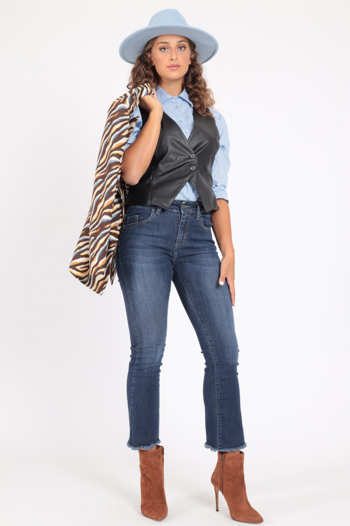 5 Flared Pockets Jeans with Fringed Bottom