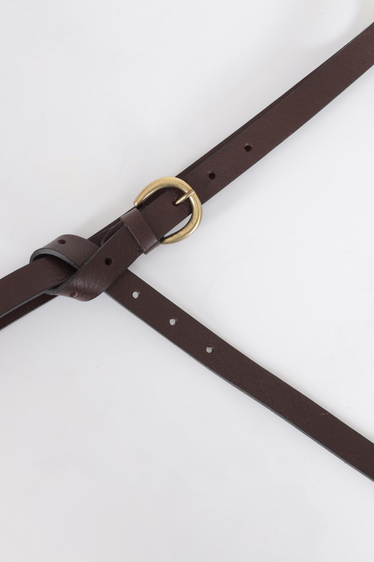 Cintura Bassa in Pelle con Fibbia Circolare