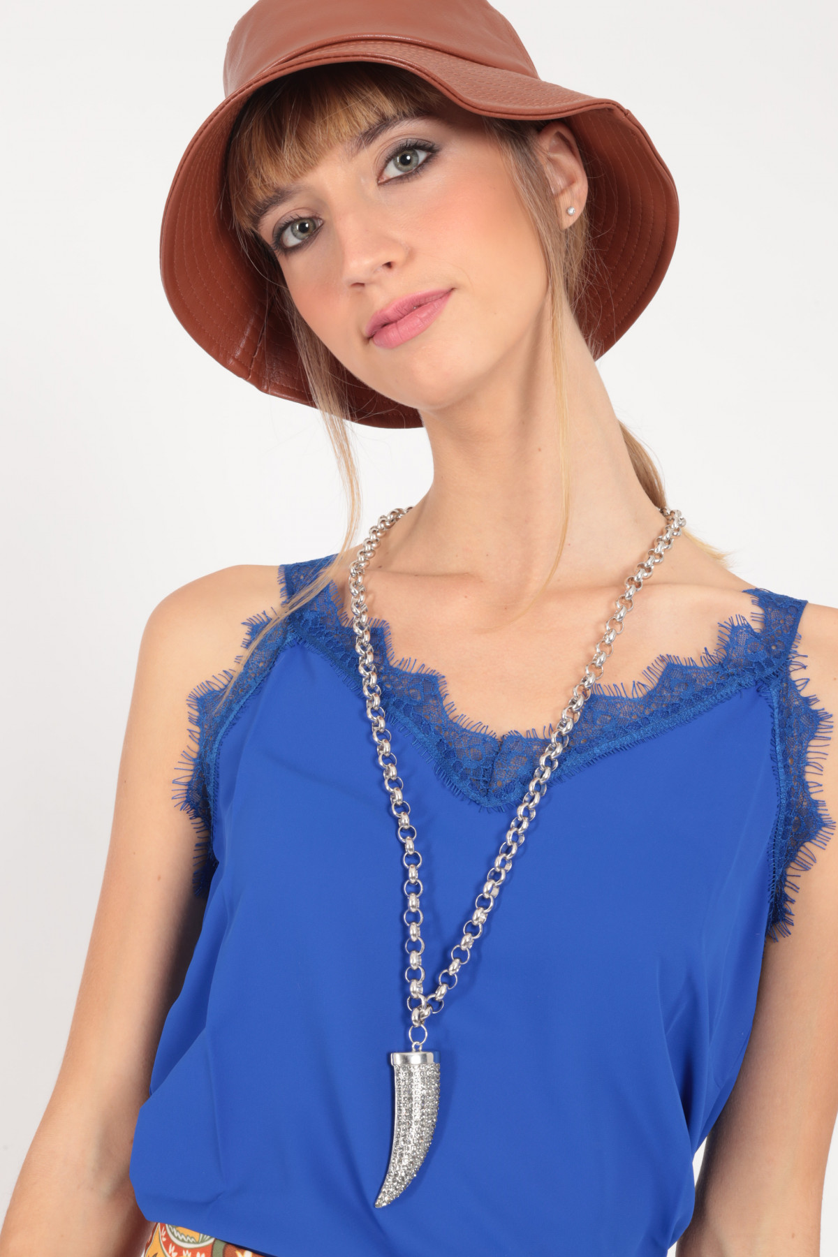 Chain Necklace with Brilliant Pendant