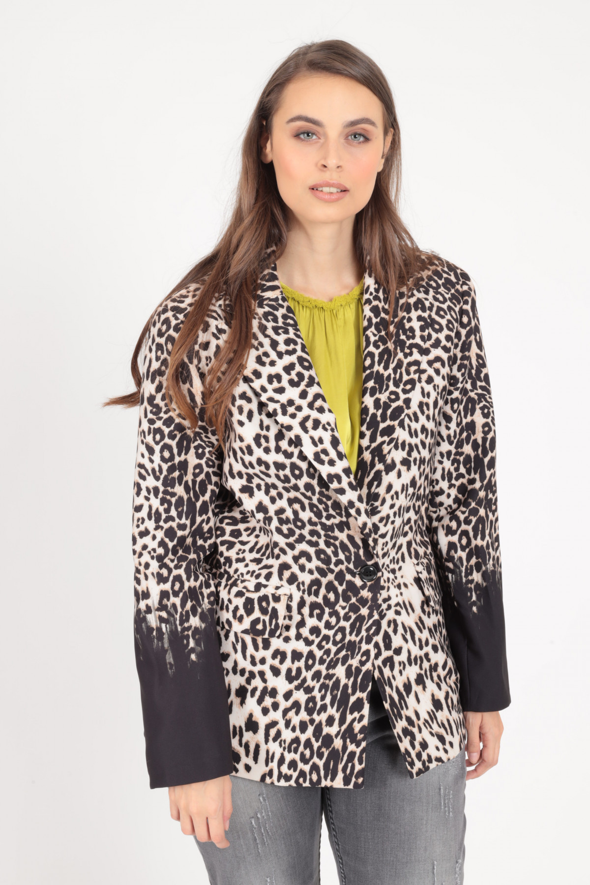 Over Jacket with Classic Revers in Animalier Print