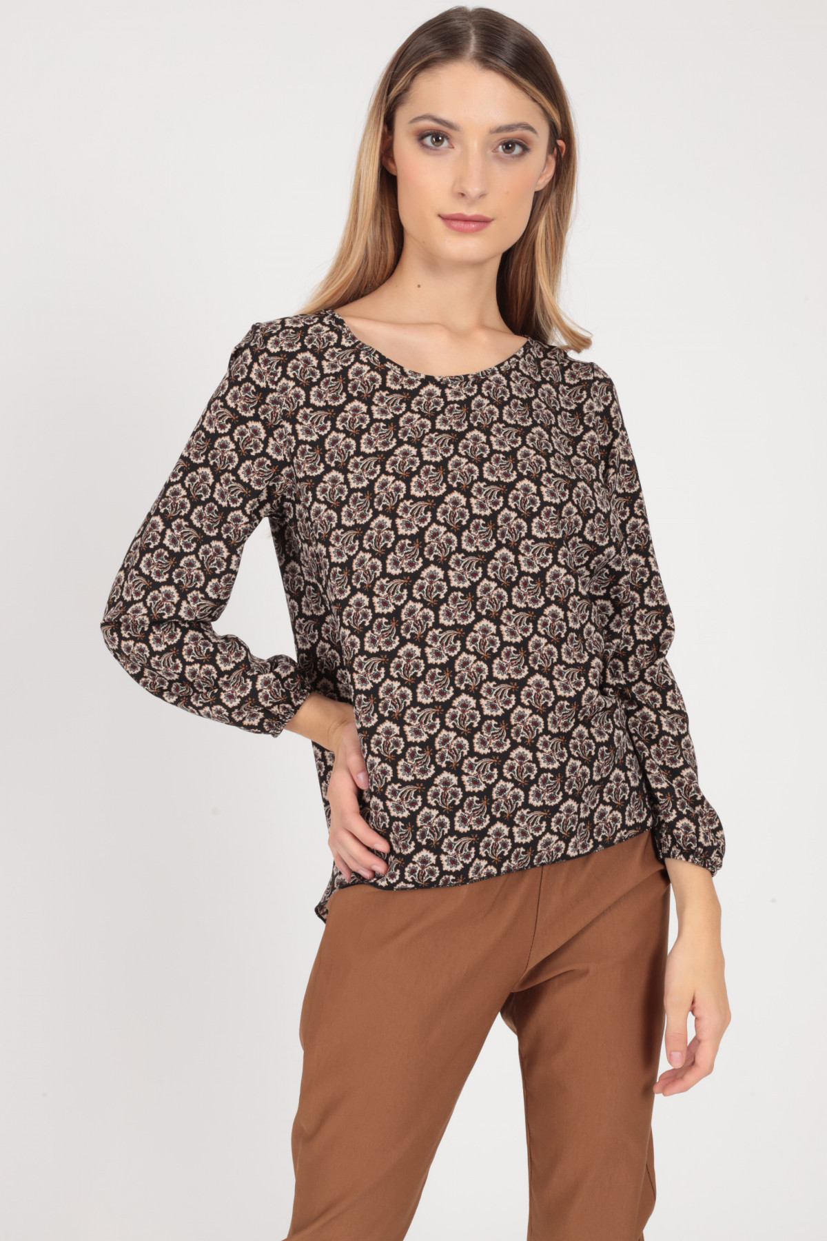 Long Sleeve Round Neck Blouse in Floral Fantasy Print