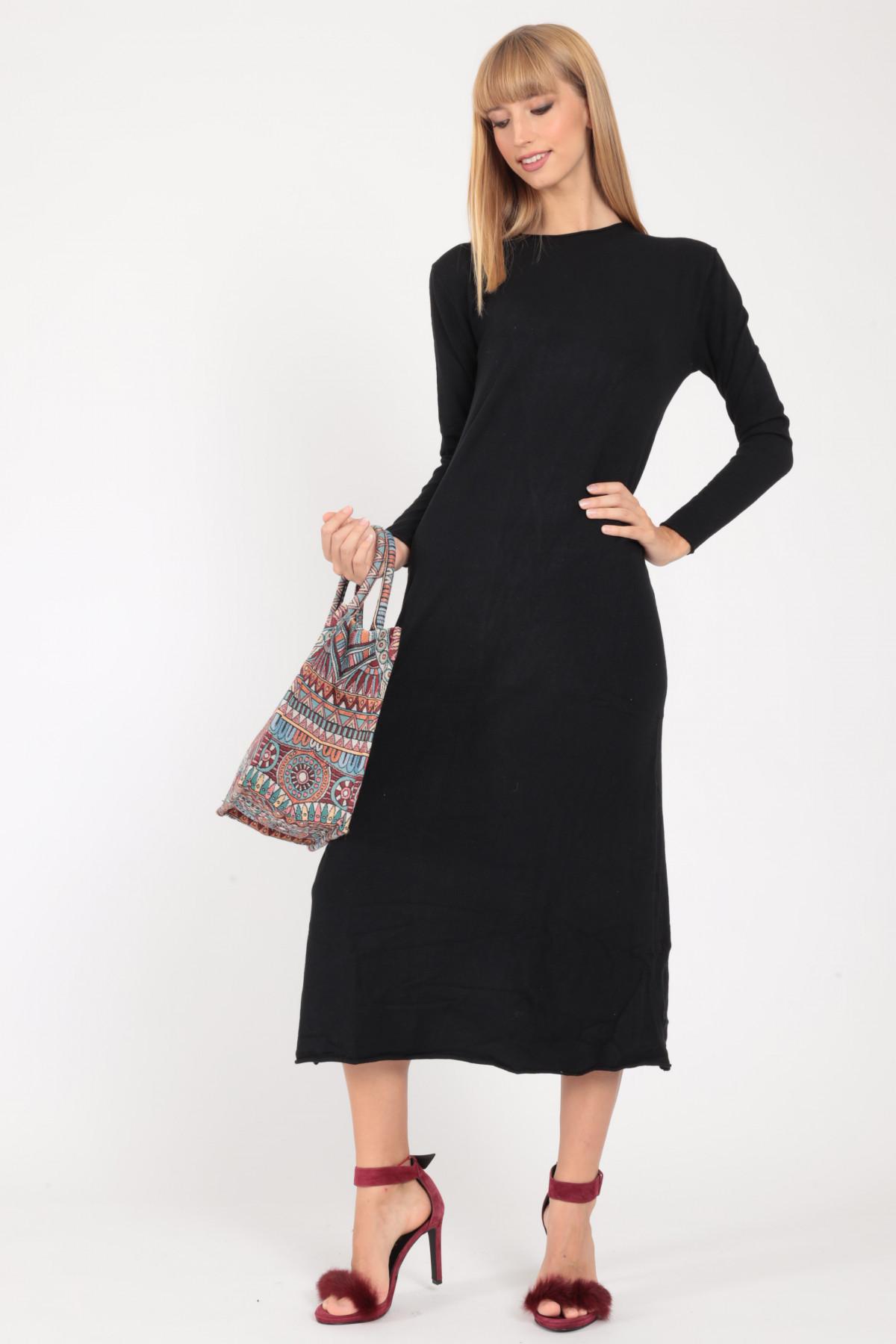 Long Dress in Raw Cut Knit