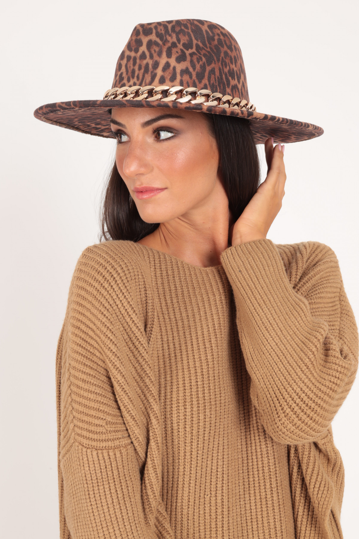 Wide Brim Hat in Animalier with Golden Chain Accessory