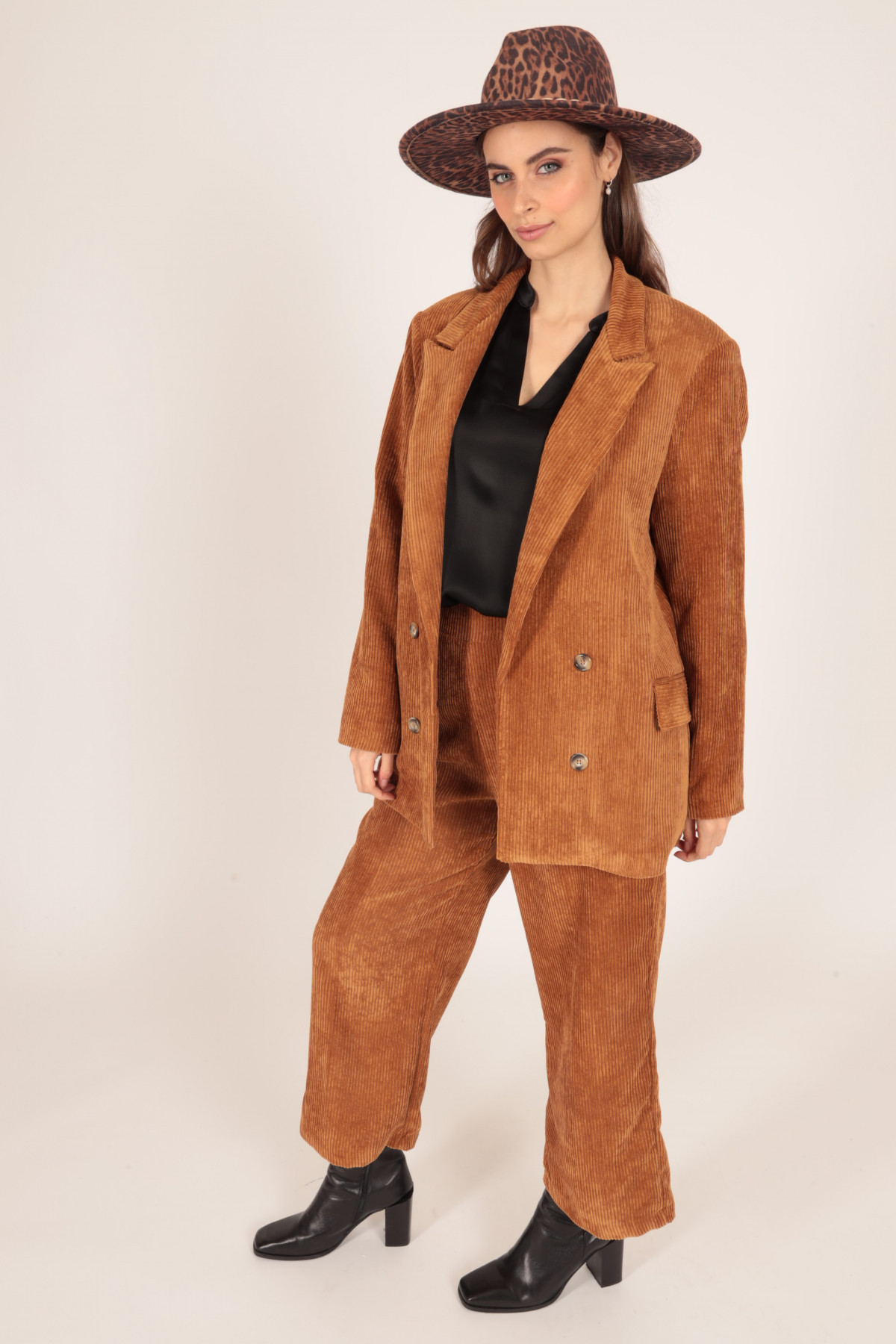 Velvet Ribbed Jacket with Classic Revers